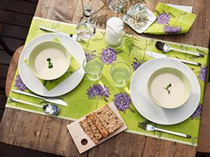 tischdekoration sommer duni servietten tischdecken kerzen und tischdekoration f r jeden. Black Bedroom Furniture Sets. Home Design Ideas